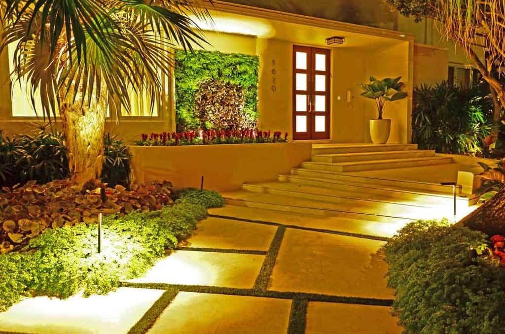 Miami Beach Timeless   Lewis Aqüi Landscape + Architectural Design, LLC